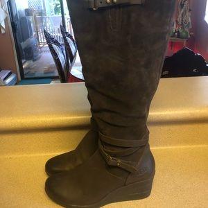 UGG Lesley Waterproof Tall Wedge Women's 7 Boots